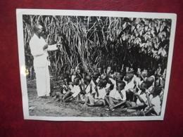 PHOTO CAMEROUN 1936 Possession Anglaise Mill Hill - Professeur - Leçon De Math Aux Petits Négrillons @ 18 Cm X 13,2 Cm - Africa