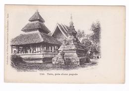 Jolie CPA Laos, Tats, Près D'une Pagode,, Coll. De L'Union Commerciale Indo-chinoise - Laos