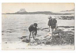 Cpa: 35 SAINT MALO - Petits Pêcheurs De Crabes    N° 110 - Saint Malo
