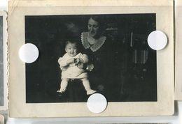 Jeune Femme Mère Enfant Woman Child Portrait Pose  Clair Obscur Maman Bébé Baby - Anonymous Persons