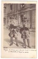 TROYES - Carte Photo De 2 Poilus - Voir La Légende Manuscrite. - Troyes