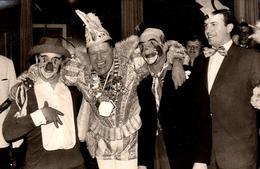 Photo Originale Déguisement De Cirque - Clowns & Tradition Clownesque - Anonymous Persons
