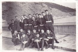 Very Old Real Original Photo - Group Of Young Men In Uniforms - 8.7x5.8 Cm - Anonymous Persons
