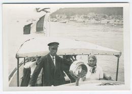 Bateau à Moteur Avec Pavillion Visible En 1938 - Boats