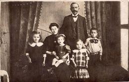 Familien Gruppenfoto AK - Anonymous Persons
