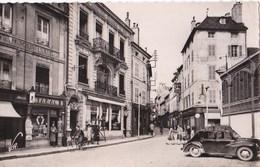 21 BEAUNE CPSM PHOTO V.R Marchand De JOURNAUX TABAC BONNETERIE CHAUSSURES  AUTO Place De La Halle - Beaune