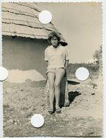 Jeune Femme Jambes Nue Short 60s Vacances été Soleil - Anonymous Persons