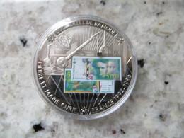Piece De Monnaie Commémorative: En Mémoire D' Une Monnaie France Billet De 500 Francs Français Pierre Et Marie Curie - Coins & Banknotes