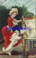 91495 ART ARTE THE WOMAN CLIMBING THE CAR POSTAL POSTCARD - Künstlerkarten