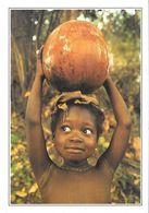 Côte D'Ivoire Enfant Portant Une Calebasse (2 Scans) - Ivory Coast