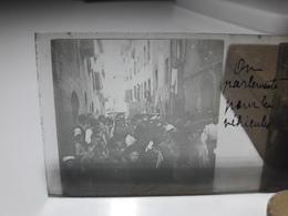 79 - Plaque De Verre - Italie - On Parlemente Pour Les Véhicules - Pise ? - Glasplaten
