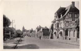 CPA - Bazouges - Arrivée De Château Gontier - Sonstige Gemeinden