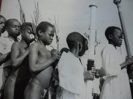 PHOTO A.E.F Moyen Congo Centrafrique à BERBERATI Fête Des Rameaux Enfants De Coeur @ 18 Cm X 12,8 Cm - Afrique