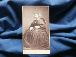 Photo CDV Odinot à Nancy - Second Empire Femme Assise, Coiffe De Ville Circa 1860 L367 - Photos