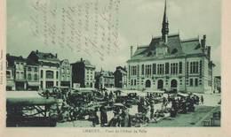 CHAUNY: Place De L'Hôtel De Ville - Chauny
