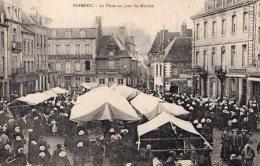 V12459 Cpa 22 Paimpol - La Place Un Jour De Marché - Paimpol