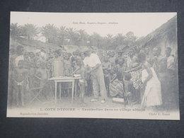 COTE D'IVOIRE - Carte Postale , Vaccination Dans Un Village Abbeys , Gros Plan - L 15103 - Côte-d'Ivoire