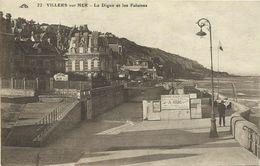 AK / CPA Villers-sur-Mer / Calvados - La Digue Et Les Falaises ~1920 #02 - Villers Sur Mer