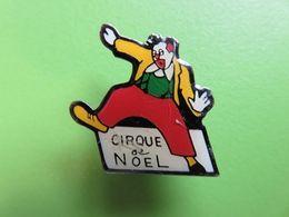 Pin's 196 - Cirque De Noel - Clown - Pin's