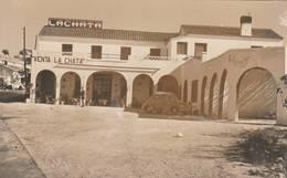 CPSM (13.5x8 Cm):ESPAGNE ANCIENNE VOITURE À LACHATA VENTA LA CHATA BENISA - Espagne
