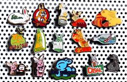 Lot De 15 Pin's Sur Les Lapins Dont 2 Lapins Roses Des Piles DURACELL - Tiere