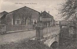 THIL - LA RUE DE TREMILLY - BELLE CARTE - ANIMATION - 2 SCANNS - - Sonstige Gemeinden
