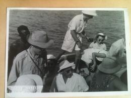 Photo - Cameroun 1953 - Canot Ou Chaloupe Du Bâteau Le Paul Leferme, Appareil Photo, Maguy Merckel - Africa