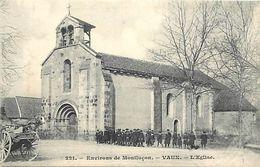 - Allier -ref-B911- Vaux - Environs De Montlucon - L Eglise - Ecoliers - Carte Bon Etat - - Frankrijk