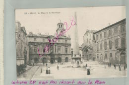 CP 13  ARLES  La  Cathédrale  Sainte-Trophine        M 2018 1047 - Arles