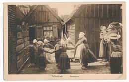 Volendam, Children Dancing In Circle In Traditional Costumes, ± 1930 - Volendam