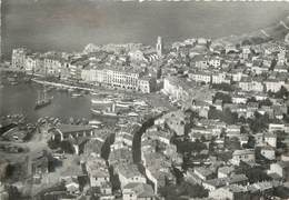 """/ CPSM FRANCE 83 """"Saint Tropez, Vue Aérienne Sur La Ville Et Le Port"""" - Saint-Tropez"""