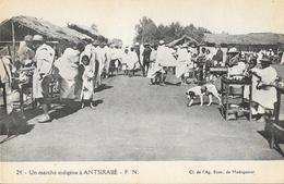 Madagascar, Un Marché Indigène à Antsibaré - Carte F.N. N° 24 Non Circulée - Madagascar