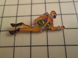 Pin513c Pin's Pins /  Rare Et De Belle Qualité : SPORTS / PLONGEE SOUS-MARINE GRAND HOMME GRENOUILLE - Diving