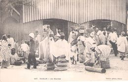 C.P.A. SENEGAL  DAKAR Au Marche - Senegal