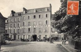 CPA  -  SAINT LO  (50)   L' Hotel De L' Univers  ( écrit Au Dessus Du Porche D'entrée : DELAFOSSE ? ) - Saint Lo
