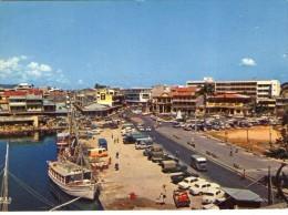 Guadeloupe.. DOM-TOM.. Pointe-à-Pitre.. Animée.. Place De La Victoire.. Bateaux.. Voitures Citroen Type H Tube - Pointe A Pitre