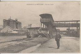 D54 - DOMBASLE SUR MEURTHE - PORT DU CANAL - (PENICHE - NOMBREUSES PERSONNES SUR LE PONT) - France