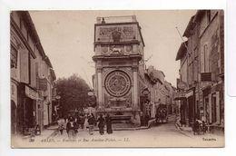 - CPA ARLES (13) - Fontaine Et Rue Amédée-Pichot (EPICERIE) - Editions Lévy N° 39 - - Arles