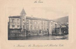 81 // BRASSAC   Le Pont Vieux Et L'hotel De Ville - Brassac