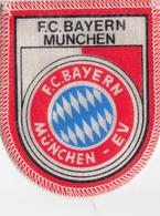 FOOTBALL ECUSSON  FC BAYERN MUNCHEN  (6,5X8cm) - Ecussons Tissu