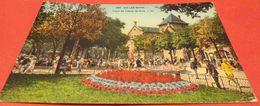 CARTE POSTALE SAVOIE : AIX LES BAINS , PLACE DE L'HOTEL DE VILLE,  ETAT VOIR PHOTO   . POUR TOUT RENSEIGNEMENT ME CONTAC - Aix Les Bains