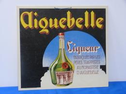 """Publicité  Cartonnée """"LIQUEUR AIGUEBELLE"""". - Paperboard Signs"""