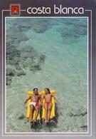 COSTA BLANCA - Carte Souvenir, Couple Sur L'eau (Tarjeta De Recuerdo, Pareja En El Agua) - - Espagne