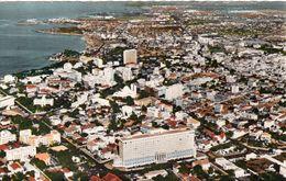 1 AK Senegal * Blick Auf Die Hauptstadt Dakar - Luftbildansicht * Karte Aus Den 50iger Jahren - HOA-QUI Karte * - Senegal