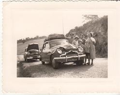 """Accident ,d'une Voiture Immatriculée   """" 20 """" En Corse, Sur La Route D'Algesirs  En 1956 - Petite Photo - Passenger Cars"""