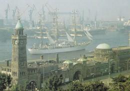 Postcard Libertad Tall Ship In Hamburg Docks Argentinian Navy Training Ship My Ref  B22463 - Sailing Vessels