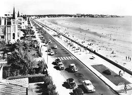17-Charente Maritime-ROYAN Le Boulevard Garnier Et La Plage (auto Voiture Voitures Dont Citroen DS D.S)(Cpsm CAP 2086 - Royan