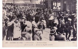 & Guerre De 1914 - A Portsmouth - Arrivée De Blessés - Guerra 1914-18