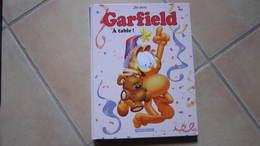 GARFIELD T49 A TABLE !   JIM DAVIS - Garfield