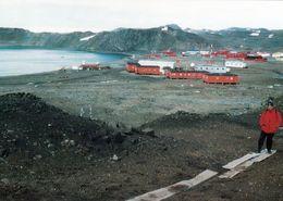 1 AK Antarktis * Die Russische Station Bellinghausen (Insel King George) + Die Argentinische Station Eduardo Frei - Ansichtskarten